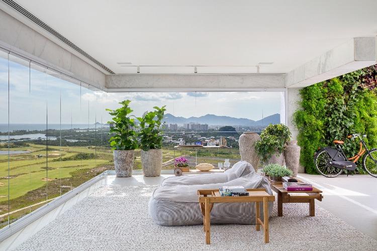 varanda com paisagismo de Carmen Mouro