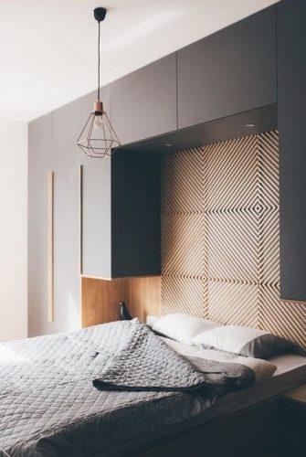 Armário com cama embutida.