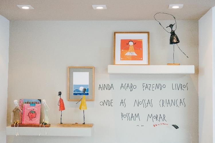 cantinho de artes em decoração de quarto infantil