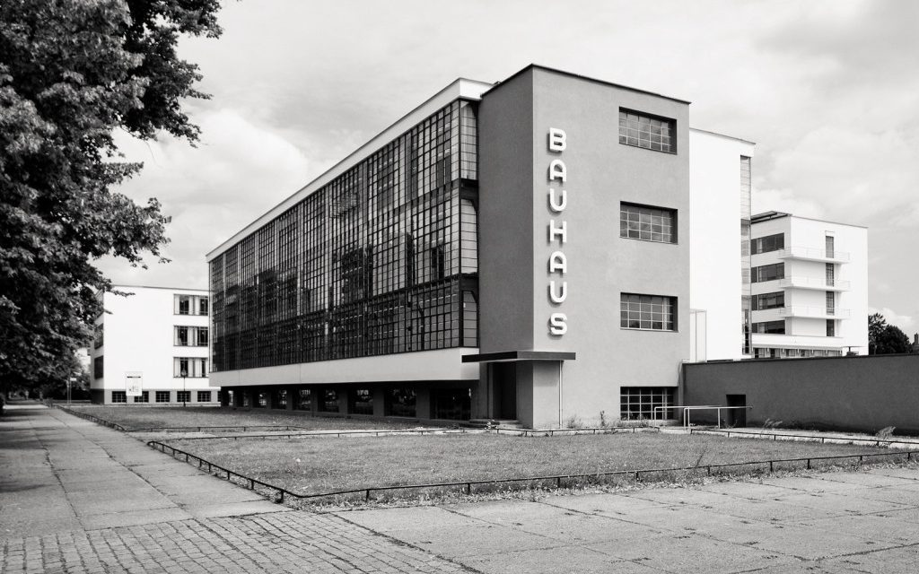 100 anos da Escola Bauhaus e 10 fatos sobre a escola mais famosa do mundo.