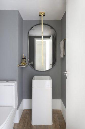 Spaço Interior assina projeto da casa nova da influenciadora Mari Saad.. Lavabo com cuba de piso e torneira de teto.