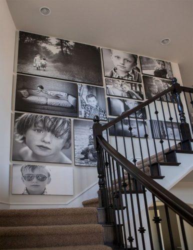 Decorando a parede da escada.. Fotos em preto e branco