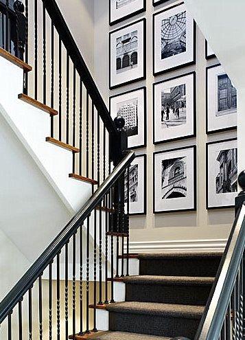 Decorando a parede da escada. Quadros preto e branco
