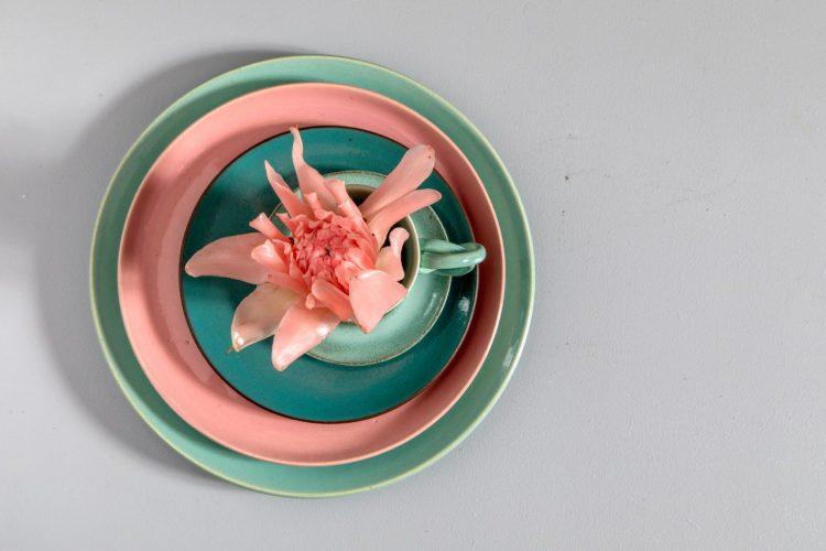 O tempo da cerâmica', livro de uma das mais requisitadas ceramistas do país, Denise Stewart. Pratos e bowls