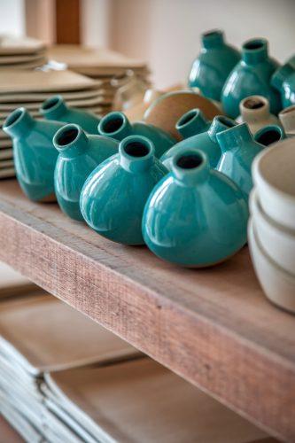 O tempo da cerâmica', livro de uma das mais requisitadas ceramistas do país, Denise Stewart. Utilitários
