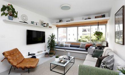 Apartamento de 40 anos ganha atmosfera moderna após reforma comandada pelo escritório JMA Estúdio
