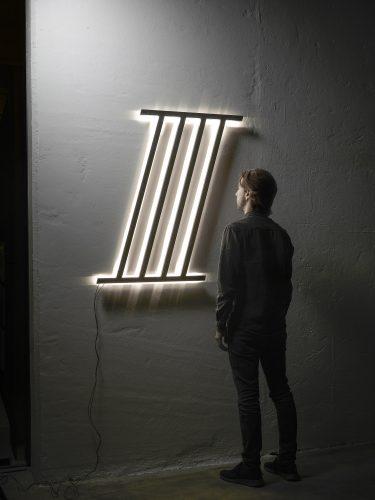 Luminária de Gustavo Martini. Foto: Luca Morandini