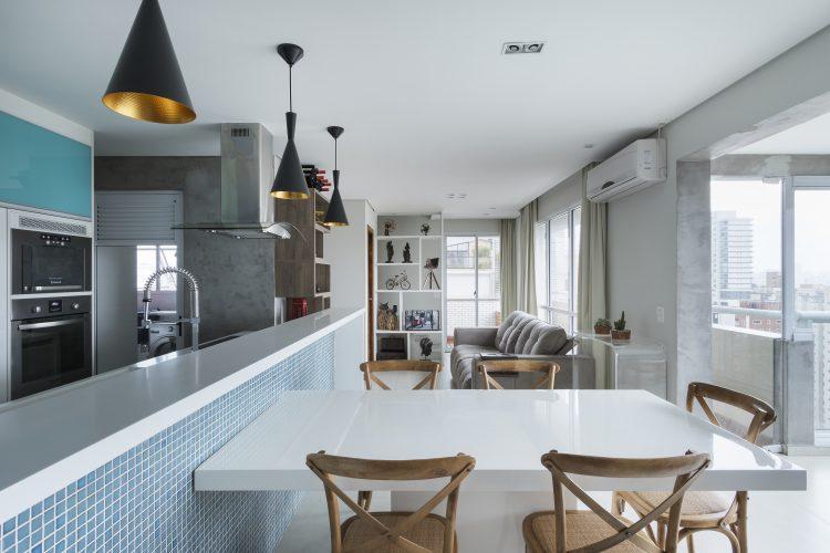 cozinha gourmet assinada por Claudia Alionis com fotos de Rafael Renzo