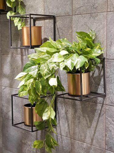 Um apartamento todo decorado com soluções completas na Amoedo Design.. Suporte de plantas para parede