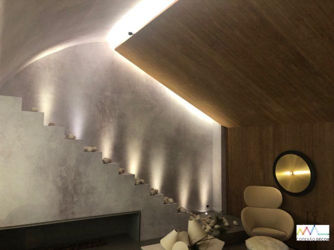 O Loft Refúgio, assinado pela arquiteta Consuelo Jorge para a CASACOR São Paulo 2019. Teto revestido de madeira e bambu