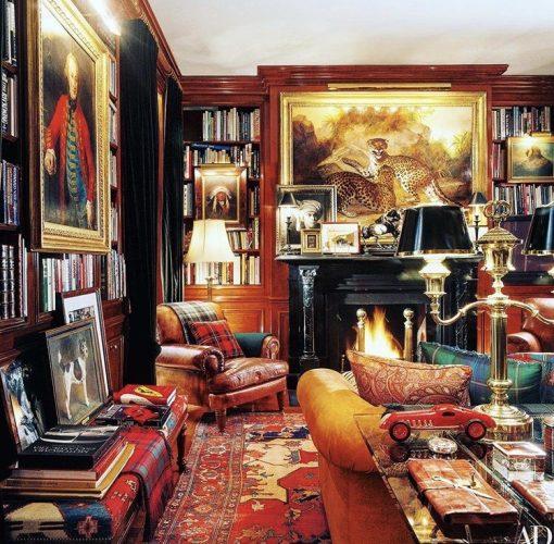 Estilo de decoração, Maximalismo. Biblioteca repleta de objetos com historias para contar.