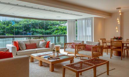 Varanda integrada à sala por Brise Arquitetura