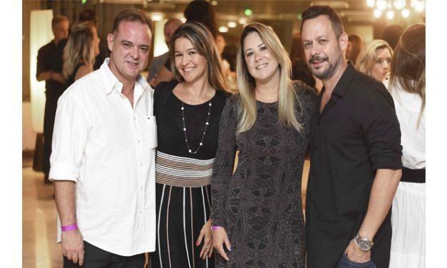 Núcleo Carioca de Decoração recebe profissionais em animado happy hour
