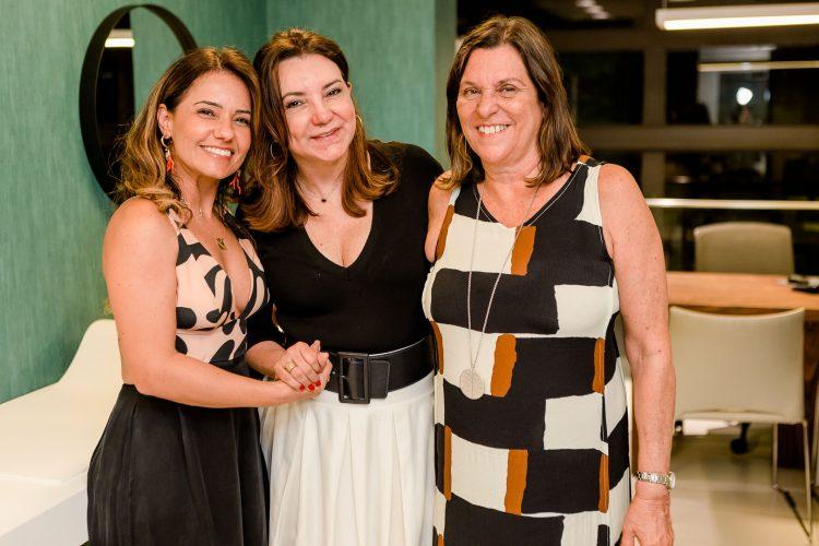 Giovanna Eirado, Rosa Tavares e Rosane Cunha.