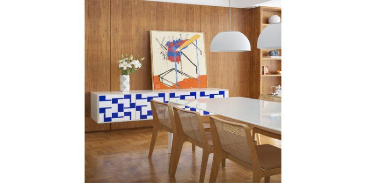 A3 Interiores assina apartamento colorido, com clima de férias