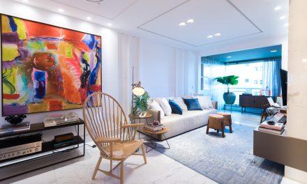 Obras de arte e design dão personalidade ao apartamento em Campos