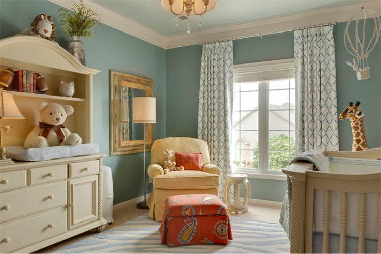 O poder das cores na decoração, quarto de criança em tons clarinhos de bege e azul.