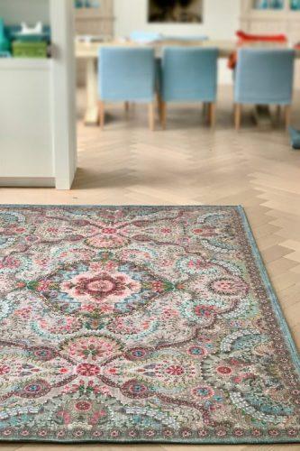 Upcycling - Coleção de objetos de decor e moda com de sobras de tapetes. Modelo de tapete da Pip Studio