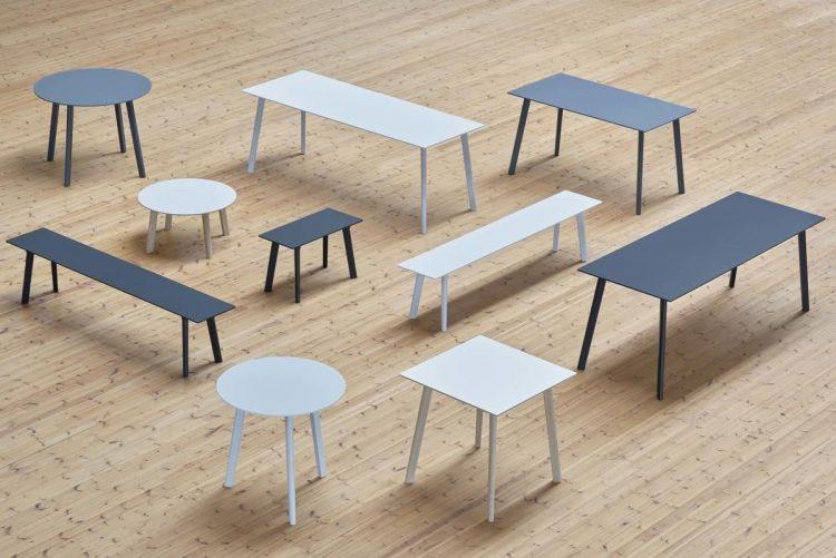 A marca dinamarquesa HAY chega ao Brasil, mesas azuis e brancas , rodondas e retangulares