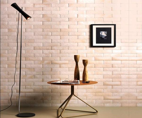 Diferentes formas de paginar cerâmicas e porcelanatos em pisos e paredes. Paede de tijolinho com a paginação transpasse