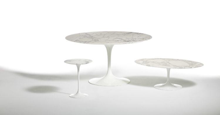 Mesas Saarinen ovais em tamos de marmore variados