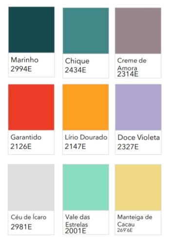 nove quadradinhos coloridos e seus nomes.