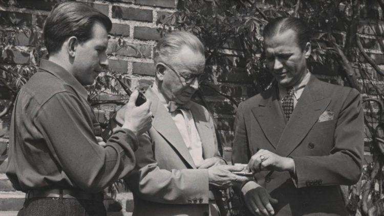 A Lusitana roda,bordão. Eero Saarinen (esquerda), Eliel Saarinen(meio) e Charles Eames(direita).