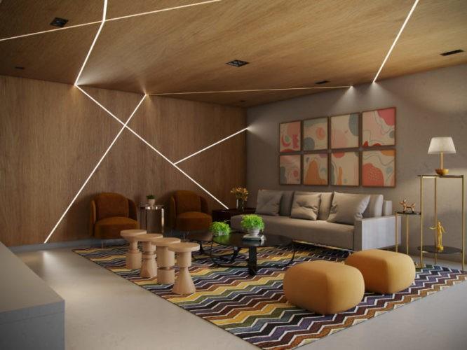 APLICATIVO QUE ESPECIFICA PROJETOS E ADMINISTRA OBRAS. Imagem em render de uma sala com teto e parede forrado em madeira com rasgos de luz. Tapete listrado e puff amarelo