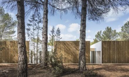 Solução em madeira natural para áreas externas