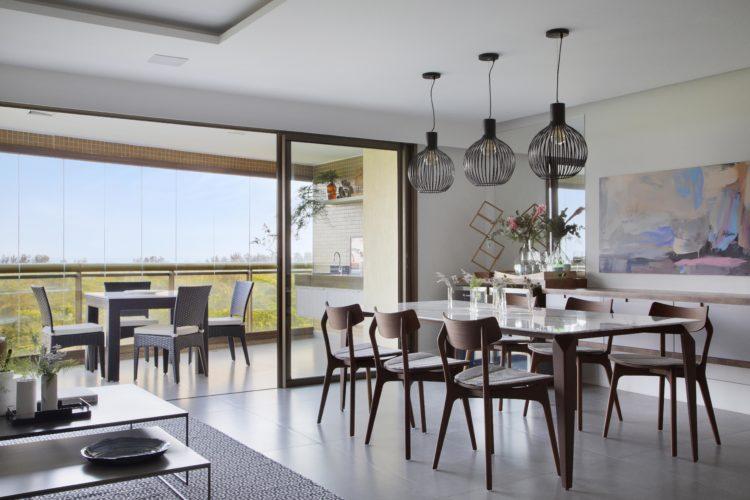 Apartamento na Barra de 288m2 com vista deslumbrante. Piso no mesmo nivel da sala e varanda, vista para a lagoa de Marapendi.