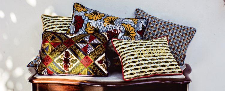 Almofadas com tecidos estampados