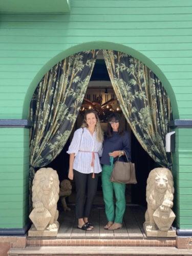 Marília Arantes e Suzana Schermann na loja Entreposto