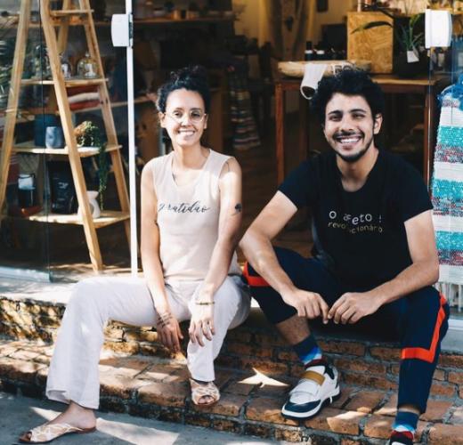Fotos dos fundadores da ONG Reviva, Beatriz e Bruno