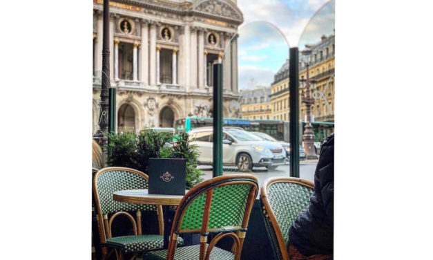 As cadeiras bistrô dos cafés parisienses…