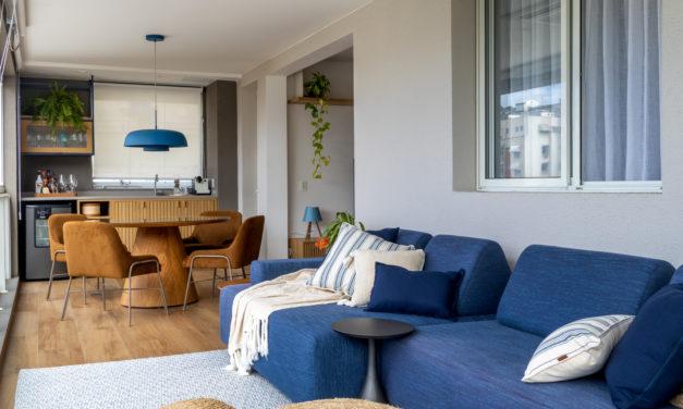 Varanda integrada no apartamento de  90m² na Zona Sul carioca